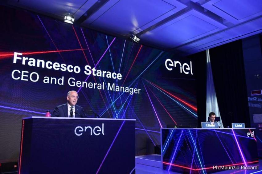 CEO de Enel apoya nueva Constitución y anuncia inversiones por US$ 2.500 millones