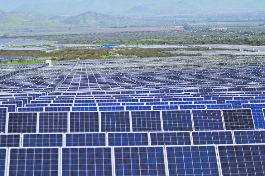 Los megaproyectos eléctricos ahora son solares y eólicos