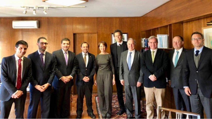 Generadoras de Chile se reúne con Ministra de Transportes y Telecomunicaciones Gloria Hutt