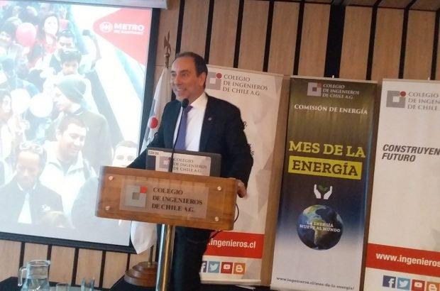 Metro de Santiago busca aumentar su demanda de energía de origen renovable