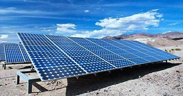 Sistemas solares fotovoltaicos bajan sus costos en 13,6% en un año