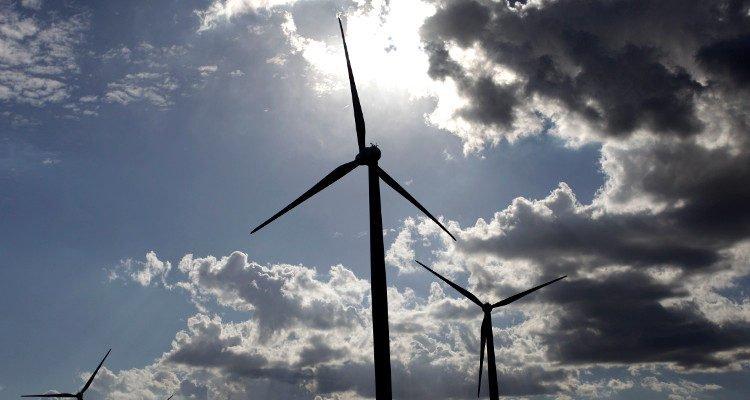 Energías renovables superan el 20% de la generación en agosto y meta se adelantaría en 6 años