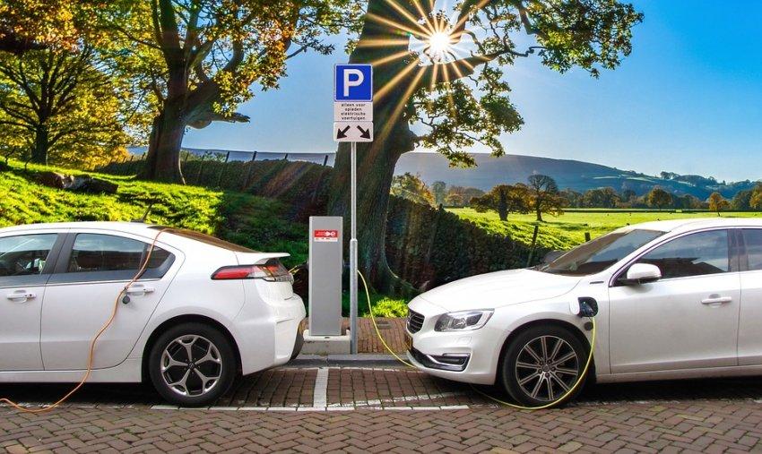 Auge de autos eléctricos sumará US$ 1.560 millones a arcas fiscales de Chile dentro de dos décadas
